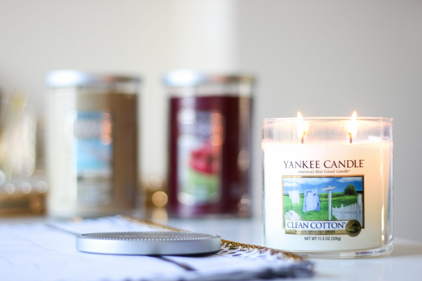 The Perfect Christmas Gift Under $20 | Yankee Candles | Styled Blonde